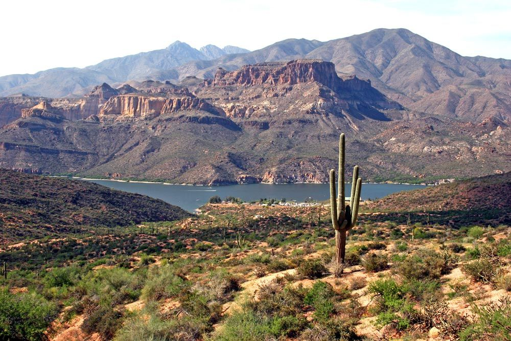 RV parks in Apache Junction, AZ are close to hiking